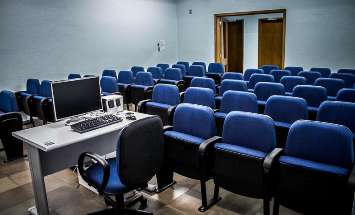 Auditório, com capacidade para até 50 pessoas
