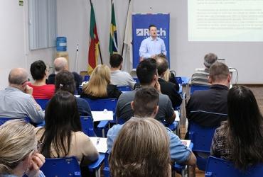 Palestra sobre Bloco K reuniu mais de 50 participantes em Santa Cruz do Sul